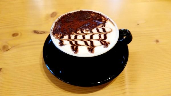 「MEG CAFE 511」(メグカフェゴーイチイチ)のカフェモカ